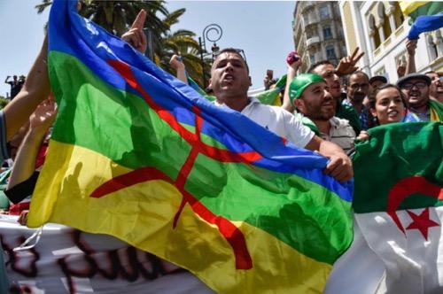 N° 072 En Algérie, « Kabyles et Arabes sont des frères » contre les tentatives de division du pouvoir