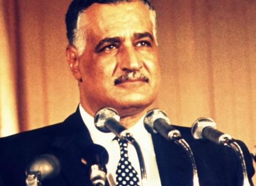 N° 124  Égypte 1953 : quand NASSER se moquait du voile…